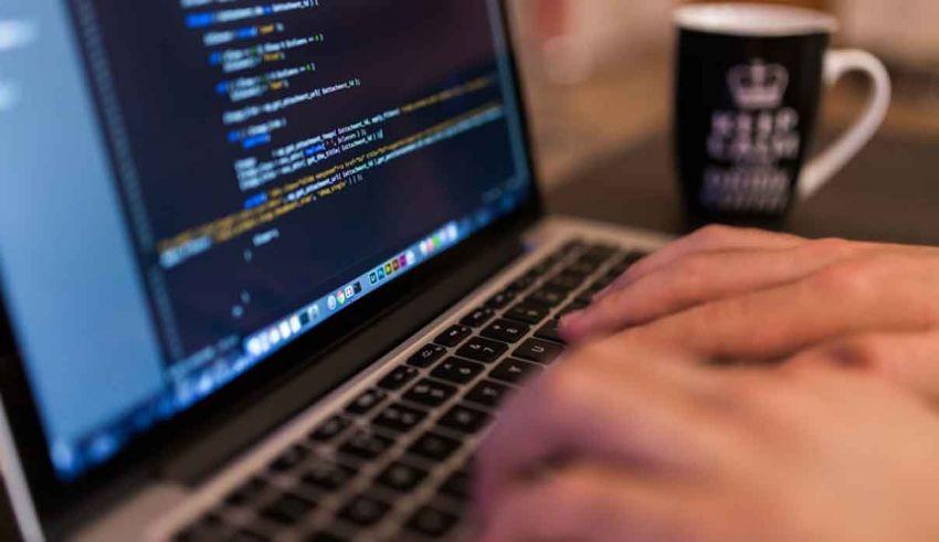 Come programmare con il compilatore online gratuito
